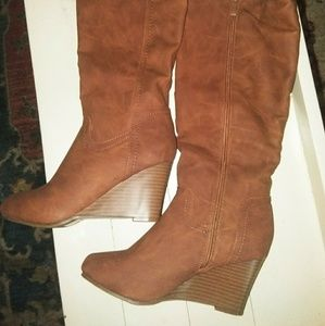 341dfe7097a JOURNEE Collection New Heeled Boots